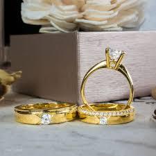 Kỷ niệm ngày cưới nên chọn quà gì ý nghĩa.